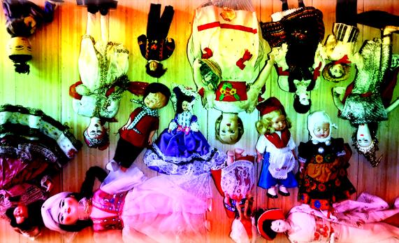 banner_dolls